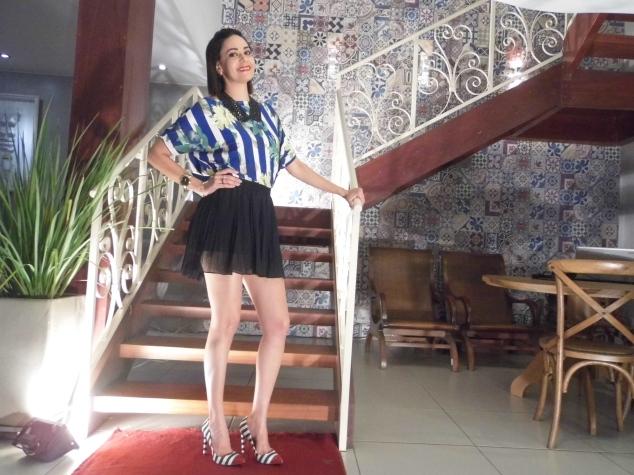 Ailma Souza, parceira de trabalho do blog Betânia Borges, vestindo blusa Theodoro Saddi